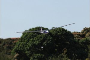 هواپیمای کنترلیLet 13 PNP